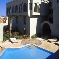 captains-inn-el-gouna.jpg